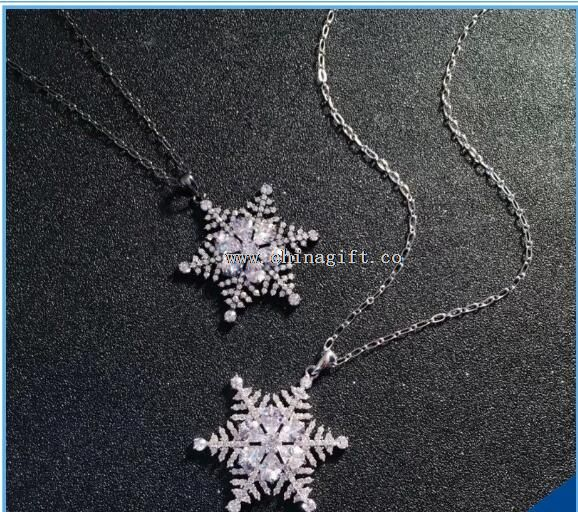 2016 New Desgin Snow Shape Zircon Pendant Necklace for Girlfriend Gift