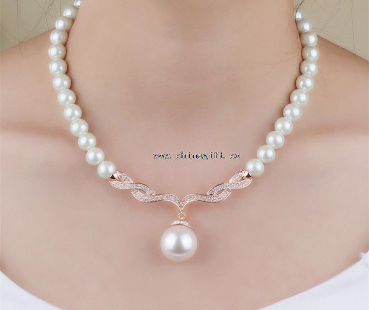 Chinese Two-piece Beautiful and Cheap Pearl Necklace